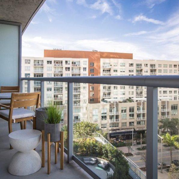 Midtown 5 balcony