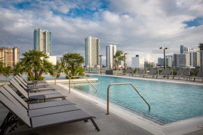 Midtown 5 pool
