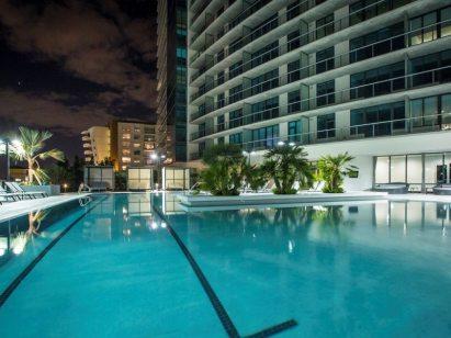 Midtown 5 pool3