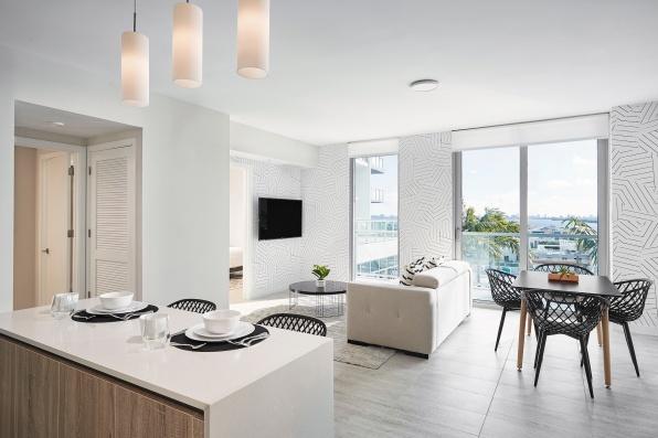 Quadro Living Room Minimalistic